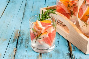 Cocktail of grapefruit and rosemary