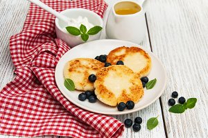 Cheese pancake with blueberry