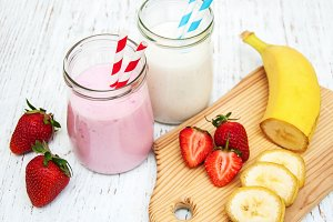Fresh fruit yogurt