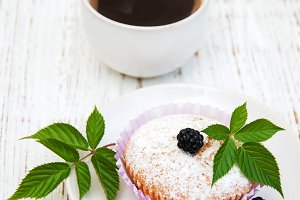 Muffins with fresh blackberries