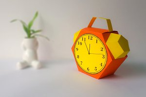 DIY Alarm Favor - 3d papercrafts