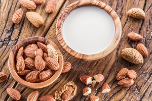 Almond nuts and milk
