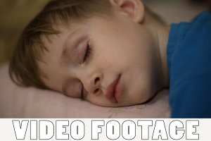 Little boy falls asleep
