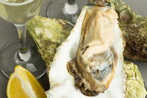 oysters with champagne and lemon