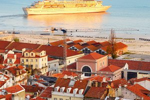 Cruise liner in Lisbon