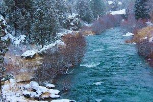 Snowing on Deschutes River