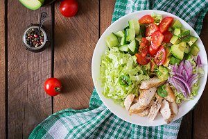 Dietary salad with chicken