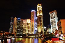 Singapore riverbank in the evening