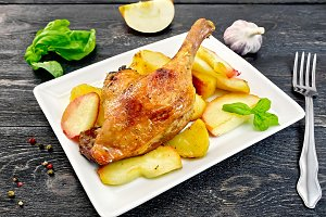 Duck leg with apple