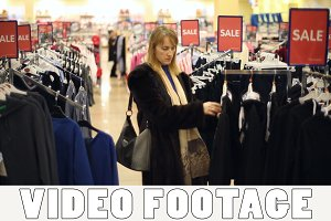 The girl is shopping