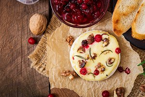 Baked cheese with cranberries