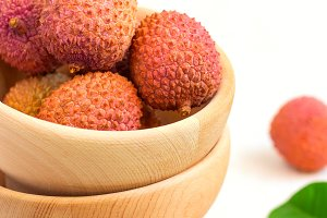 Ripe lychees in a bowl
