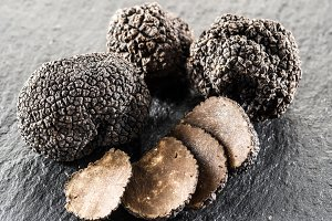 Black truffles and truffle slices