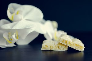 Tasty white porous chocolate
