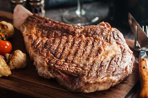 grilled tomahawk beef steak