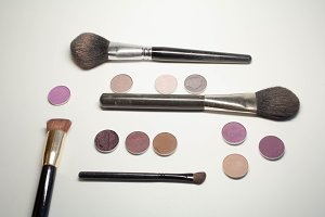 Set of shades for pallet