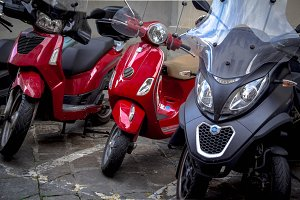 motorcycles in the streets of Italian cities