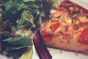Pumpkin tart with salad 2