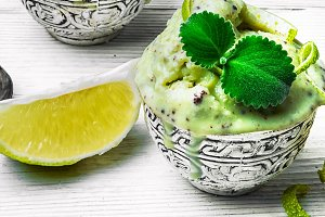 ice cream with mint and lime