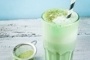 Green tea matcha latte
