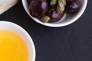 olive,cheese,honey