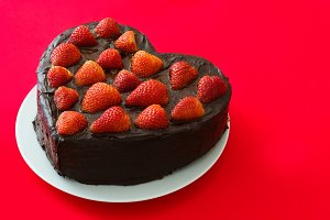 Valentine cake with strawberries