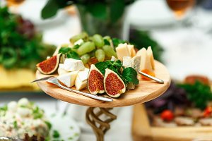 Exotic fruits and cheese