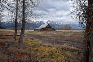 Old Mountain Valley Barn