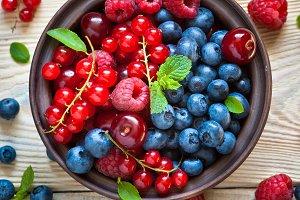 Various  summer berries