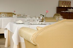 white plate with elegant napkins