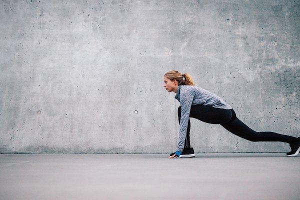 Fitness model exercising