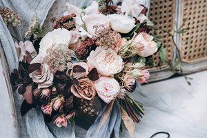 Wedding flowers. Wedding bouquet.