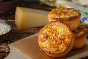 Mini pies with cheese