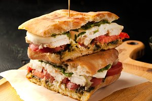Delicious sandwich with chicken