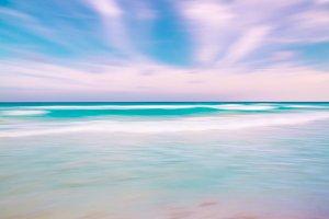 Blurred sky and ocean