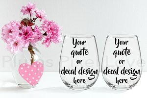 2 stemless wine glasses mockup