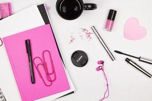 Pink & Black Feminine Desktop
