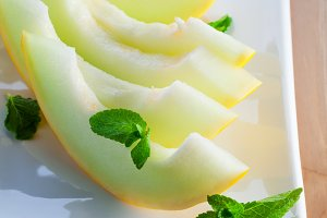 Fresh ripe honeydew melon slices