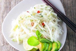 Spicy kohlrabi noodles