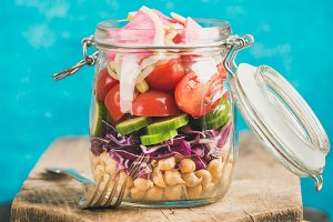 Vegetable and chickpea sprout salad