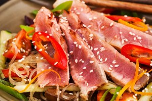 Grilled tuna and asian rice noodles
