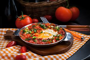 Shakshuka-fried eggs with tomatoes