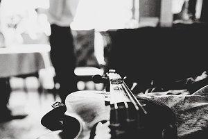 Rings lie on the violin