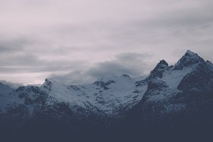 Snowy Mountains #06 (Vintage Series)