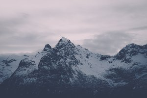 Snowy Mountains #08 (Vintage Series)