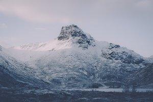 Snowy Mountains #18 (Vintage Series)