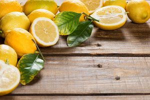 Fresh yellow lemons.