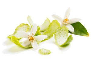 Blossom and zest of lime