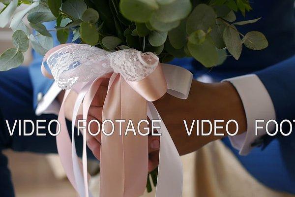 bride holding a bouquet of bride's…