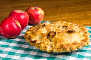 Apples with apple pie